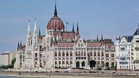 Parlamentsgebäude in Budapest stock video footage
