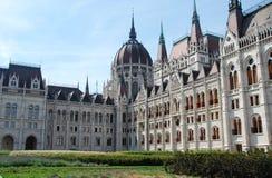 Parlamentsgebäude von Budapest-Rückseite stockfoto