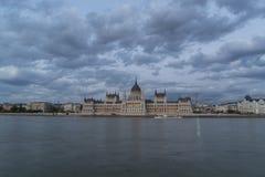 Parlamentslott i Budapest fotografering för bildbyråer