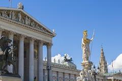 Parlamentu budynek & statuy, Wiedeń, Obrazy Royalty Free