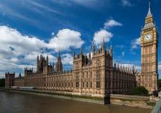 Parlementsgebouw en de Big Ben Londen Engeland Stock Foto