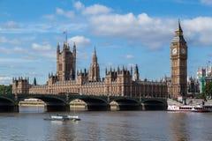 Parlementsgebouw en de Big Ben Londen Engeland Stock Afbeeldingen