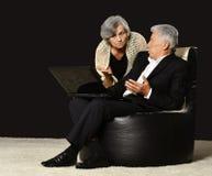 Parler mûr de couples Image stock