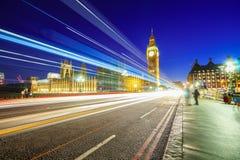 parliamen大本钟和房子在伦敦在晚上 免版税库存图片