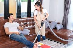 Parlokalvårdvardagsrum hemma fotografering för bildbyråer