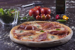 Parma baleronu pizza Obrazy Stock