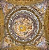 PARMA, ITÁLIA - 16 DE ABRIL DE 2018: A suposição do ósmio do fresco de Virgem Maria na cúpula de di Santa Mari della Steccata de  fotografia de stock royalty free