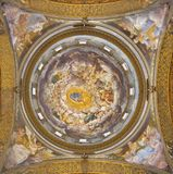 PARMA, ITALIË - APRIL 16, 2018: De freskoos Veronderstelling van Maagdelijke Mary in de koepel van Di Santa Mari della Steccata v royalty-vrije stock fotografie
