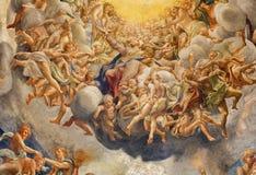 PARMA, ITALIA - 16 APRILE 2018: L'affresco di Assumpcion di vergine Maria in cupola del duomo da Antonio Allegri fotografie stock