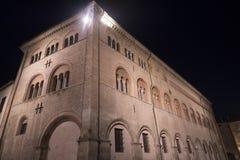 Parma Italia di notte: quadrato della cattedrale Fotografia Stock Libera da Diritti