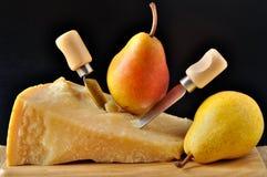 Parmesan et poires Photographie stock