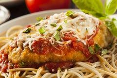 Parmesan italien fait maison de poulet Images libres de droits