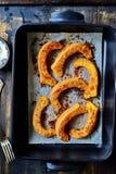 Parmesan-rosmarin pumpakilar Royaltyfri Foto