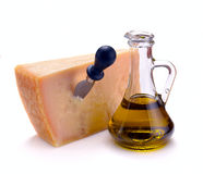 Parmesankäseparmesankäse und Olivenöl Stockbilder