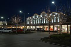 Parndorf на ноче Austria12 стоковое изображение rf