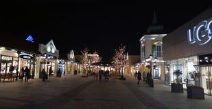 Parndorf bij de nacht Austria11 stock foto