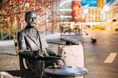 Parnu, Эстония Памятник к прибалтийскому немецкому ювелиру Густаву Faberge Стоковые Фотографии RF