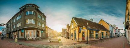 Parnu, Estonia Vecchie Camere in via storica di Ruutli fotografie stock