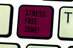 Parola che scrive la zona franca di sforzo del testo Il concetto di affari per gli studenti dello spazio può imparare e praticare immagine stock libera da diritti