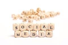 Parola con i media del sociale dei dadi Fotografia Stock Libera da Diritti