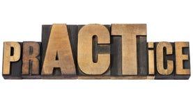 Parola di pratica nel tipo di legno Fotografia Stock Libera da Diritti