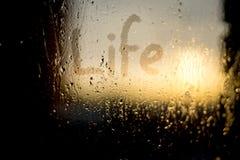 Parola di vita sulla finestra appannata Fotografie Stock