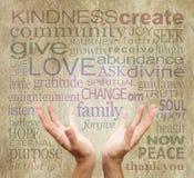 Parole e mani curative su pergamena rustica Immagine Stock