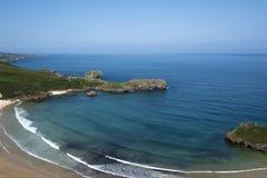 Paronamica van een strand op de kust van Asturias royalty-vrije stock foto's