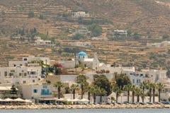 Paros, Griechenland am 10. August 2015 Paroikia an der Paros-Insellandschaft Ein schöner touristischer Bestimmungsort lizenzfreie stockfotografie
