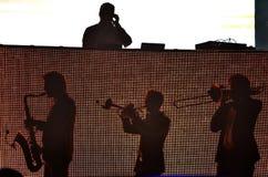 Parov Stelar zespół wykonuje żywego koncert na scenie Zdjęcie Stock
