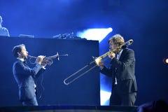 Parov Stelar zespół wykonuje żywego koncert na scenie Fotografia Royalty Free
