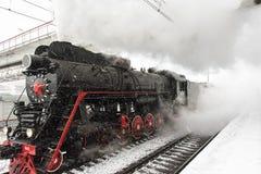 Parowa lokomotywa przyśpiesza Obrazy Royalty Free