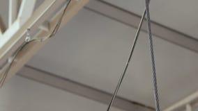 Parowozowi dźwigników dźwignięcia na fabryce zdjęcie wideo