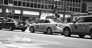 Parowy wydźwignięcie od NYC ulic zdjęcia stock
