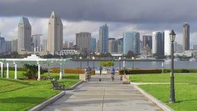 Parque centenario Coronado con el punto de vista de San Diego Skyline - CALIFORNIA, los E.E.U.U. - 18 DE MARZO DE 2019 metrajes