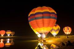 Parque Chiang Rai de Singha Silhuetas e borrão do balão Imagens de Stock Royalty Free