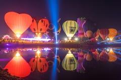 Parque Chiang Rai de Singha Silhuetas e borrão do balão Foto de Stock