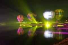 Parque Chiang Rai de Singha Silhuetas e borrão do balão Fotografia de Stock Royalty Free