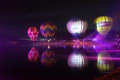 Parque Chiang Rai de Singha Silhuetas e borrão do balão Fotos de Stock Royalty Free