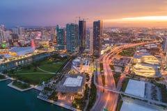 Parque común del museo de la imagen de Miami de la puesta del sol imagen de archivo