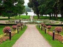 Parque com fonte Imagens de Stock