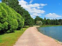Parque com lago Fotografia de Stock