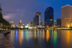 Parque da opinião do lago em Banguecoque. Fotos de Stock Royalty Free