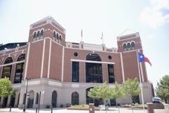 Parque da vida do globo em Arlington, Texas Rangers Stadium fotos de stock royalty free