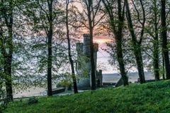 Parque de Appley, Ryde, y salida del sol de la torre de Appley Foto de archivo