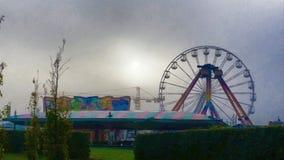 Parque de atracciones crepuscular fantasmagórico Fotos de archivo libres de regalías