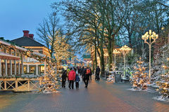 Parque de atracciones de Liseberg con la decoración de la Navidad en Goteburgo Fotografía de archivo
