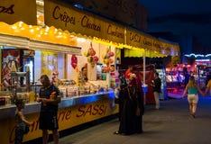 Parque de atracciones en la noche en Estrasburgo Foto de archivo libre de regalías