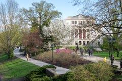 Parque de Bastejkalns en Riga, Letonia Imágenes de archivo libres de regalías