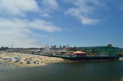 Parque de diversões fantástico na praia de Santa Cruz 2 de julho de 2017 Lazer dos feriados do curso Imagens de Stock